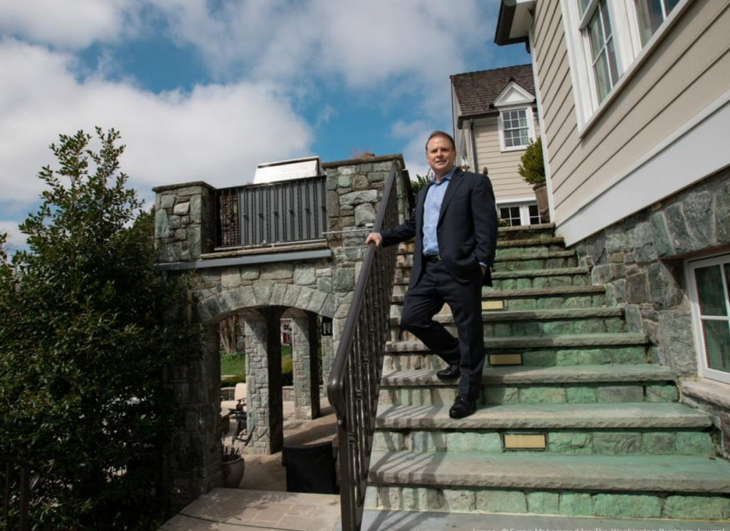 He made early bets on Urgent.ly and NS8. Now this angel investor is launching an accelerator.